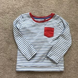 toddler shirts. A pack of 2